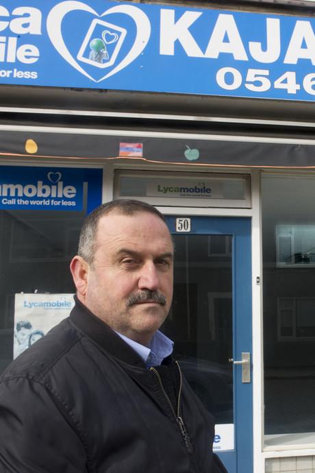 Khaled (54) moet 25 mille dokken voor fraude: 'Maar hielp alleen mijn zoon'