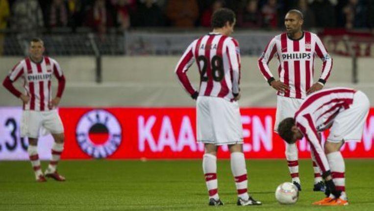 Wilfred Bouma, Otman Bakkal, Orlando Engelaar en Marcus Berg (VLNR) van PSV balen na de 1-0 in de wedstrijd tegen Excelsior. © anp Beeld