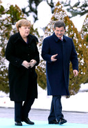 Angela Merkel en Ahmet Davutoglu spraken elkaar maandag in Ankara.