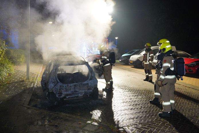 De autobrand in de Arnhemse wijk Geitenkamp.