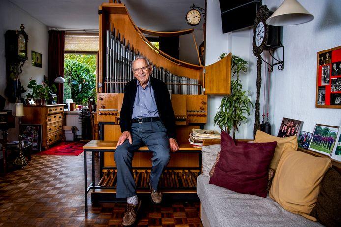 Dirk van Vliet (97) stond in 1944 aan de wieg van Jubilate Deo. Zondag geeft het koor een afscheidsconcert.