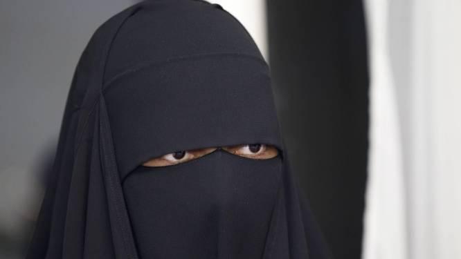 Nikab-meisje riskeert 18 maanden cel voor geweld bij politiecontrole in Jette