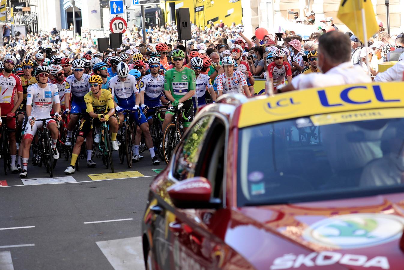 Het peloton voor de 14de etappe.