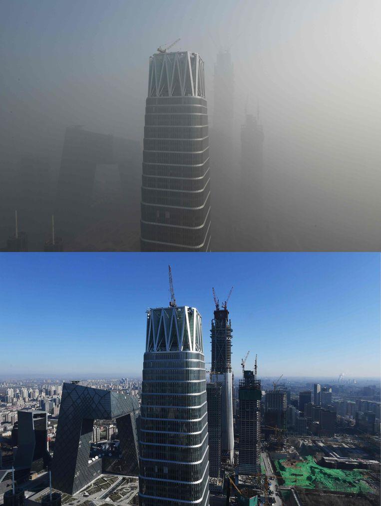 Bovenstaande foto toont Peking, gehuld in smog, op 1 januari 2017. Onderstaande foto toont dezelfde plek, maar dan op 23 december 2016. Beeld AFP