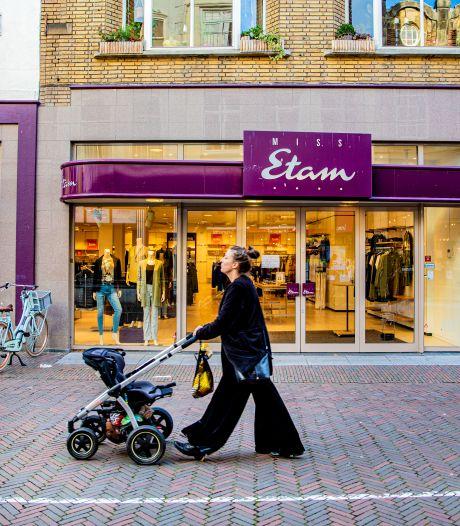 Het gaat (weer) mis bij Miss Etam: 'De keten wordt helemaal uitgekleed'