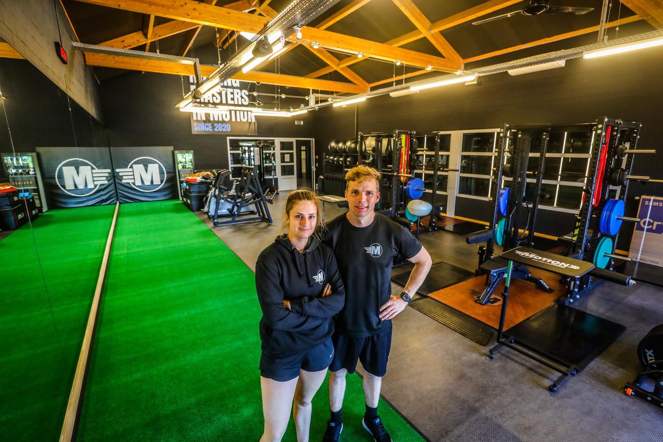 Stefanie Carpentier (25) en Harmen Peelen (31) tellen af naar 9 juni.
