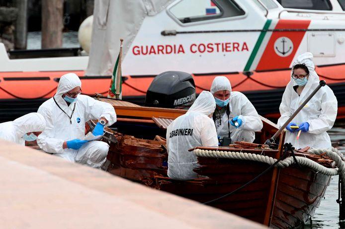 Leden van de technische recherche onderzochten zondag in Salò (provincie Brescia) aan het Gardameer de aangevaren houten motorboot.  In het gehavende vaartuig lag het lichaam van een 37-jarige Italiaan.