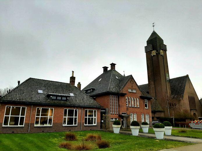 De voormalige Pastoor van Arskerk en bijbehorende gebouwen in Lies bij Breda.