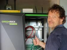 Vijf jaar na oprichten bedrijf verkoopt Deventer duurzaamheidspionier eerste batterij voor opslag zonne-energie