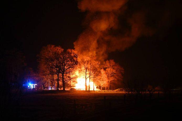 De keet ging in vlammen op.