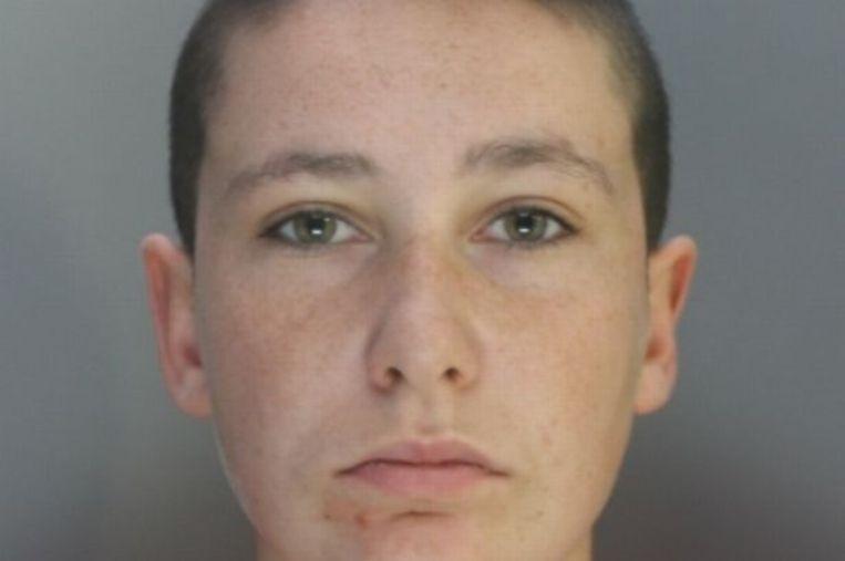 Jordana Davidson deed zich voor als man en maakte misbruik van twee minderjarige meisjes.