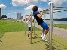 Jongeren willen graag fitnessboulevard in Spijkenisse: plan voor trainingstoestellen langs de Oude Maas