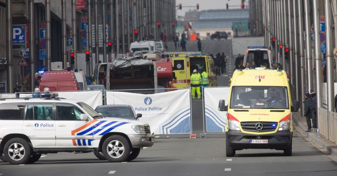 Neuf procès, visant notamment le gouvernement fédéral, ont été introduits lundi devant le tribunal de première instance néerlandophone de Bruxelles par dix victimes des attentats du 22 mars 2016.