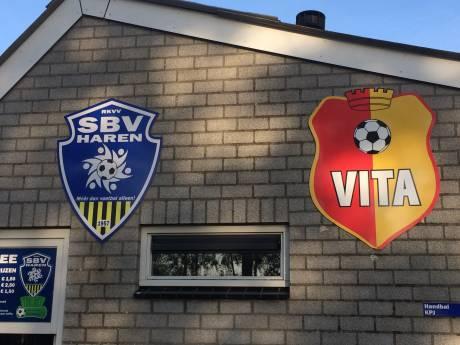Bij de dorpspomp: Besodemieterd op het uur U voetbalfusie