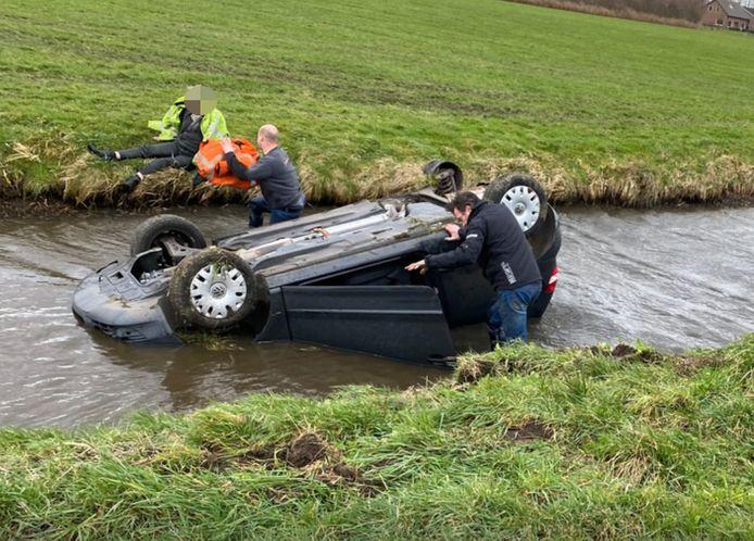 Remco Kompier salvó al hombre de 72 años de Nijkerk de un automóvil en la cuneta.