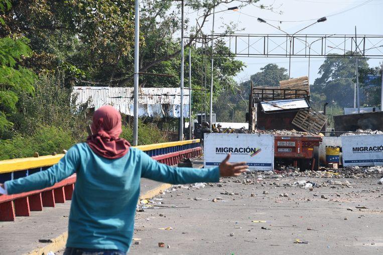 De versperring op de Francisco de Paula Santander-brug tussen Colombia en Venezuela.