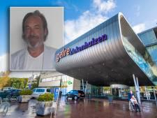 Acteur Emile Jansen (61) rijdt operatiekamer Apeldoorn binnen en: 'Boem, licht uit'
