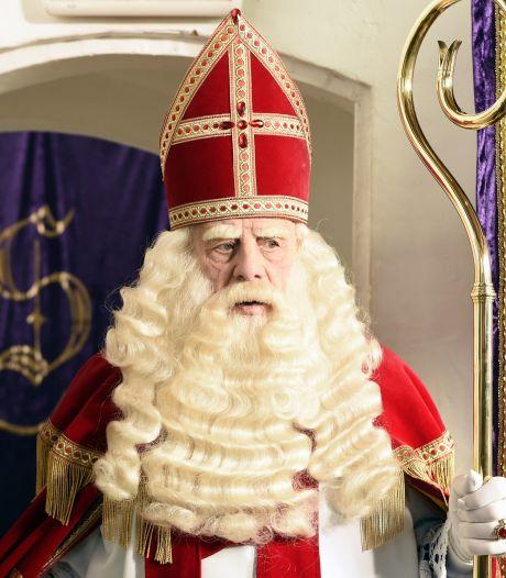 Leerdam haalt met filmvertoning herinneringen op aan Sinterklaasintocht vóór coronatijd