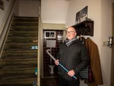 Met hockeystick verjaagde 'wc-raaminbreker' Harderwijk krijgt vier maanden