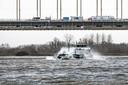 Met water uit de Waal is tot wel veertig procent van Nijmegen te verwarmen, meent hoogleraar David Smeulders van de TU Eindhoven. In 2045 wil de gemeente volledig van het aardgas af zijn.