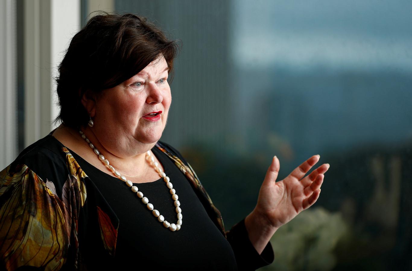 Dat het aantal nieuwe besmettingen al zes dagen op rij licht stijgt, baart ook minister Maggie De Block zorgen.