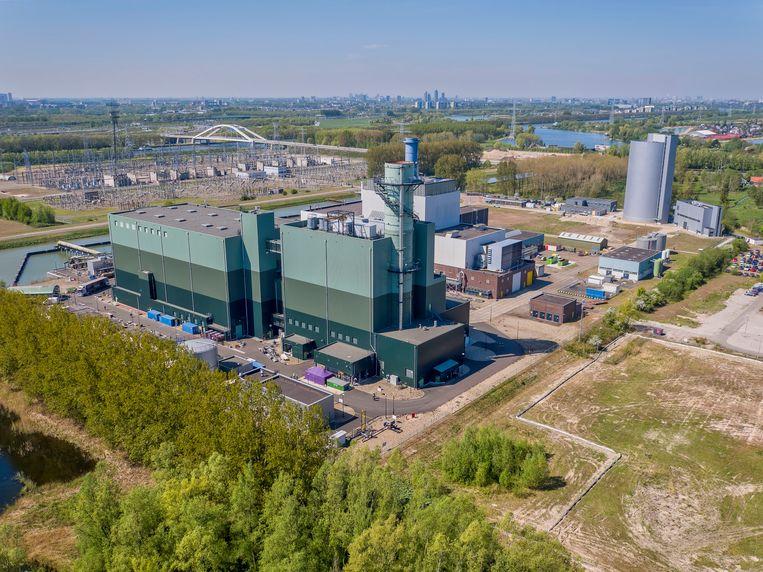 De op aardgas draaiende centrale van Vattenfall in Diemen die vervangen zou moeten worden door een  'groene' centrale. Beeld Hollandse Hoogte / Nederlandse F