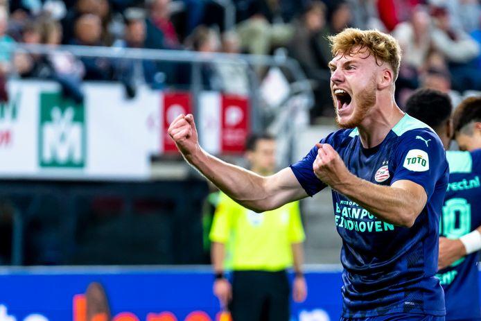Yorbe Vertessen verschafte PSV zaterdagavond in de topper tegen AZ lucht door als invaller de 0-2 in het net te schieten.