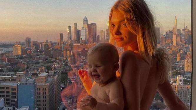 """Zware kritiek op naaktfoto van Zweeds topmodel Elsa Hosk met haar dochter: """"Dit is kinderporno"""""""