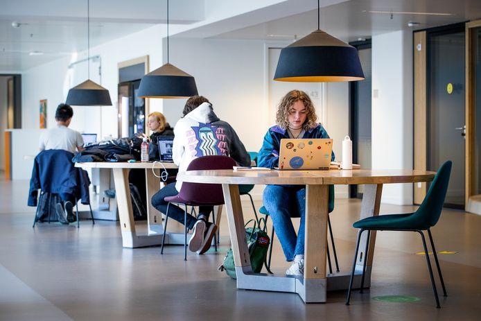 Studenten aan het werk (foto ter illustratie).
