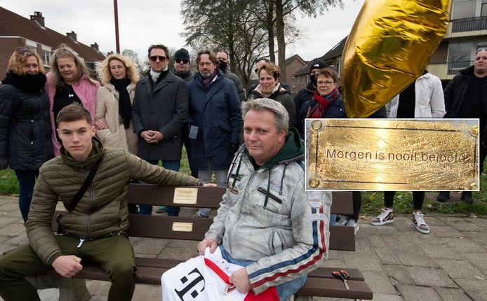 Gedenkbank voor Sam in Nieuwegein bekrast