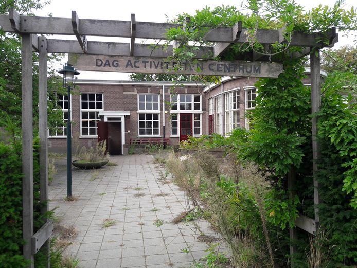 Pand Veldzicht op landgoed Coudewater gaat gesloopt worden. De deur links geeft toegang tot de schuilkelder.