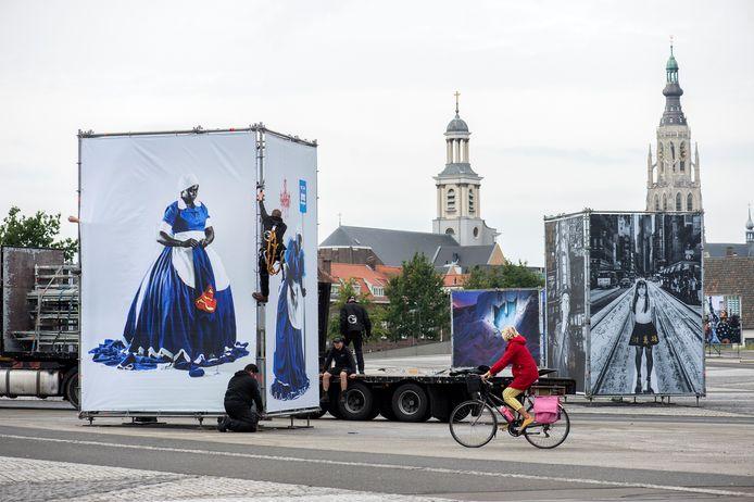 Langzaam vult Breda zich weer met foto's. Woensdag trapt BredaPhoto af.