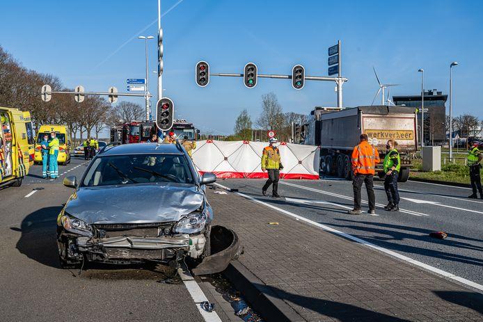 Dode bij ernstig ongeval in Tilburg