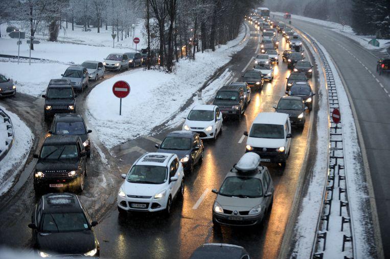 File op de snelweg tussen Moûtiers en Albertville in de Franse Alpen.  (Foto uit december 2014).