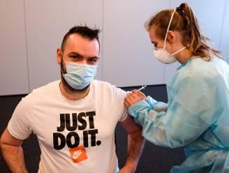 """""""Vaccineer in grote bedrijven op werkvloer"""": Voka en Attentia lanceren oproep in West-Vlaanderen"""