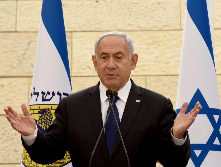 Ontslagnemend Israëlisch premier Benjamin Netanyahu probeert aan de macht te blijven. Beeld REUTERS