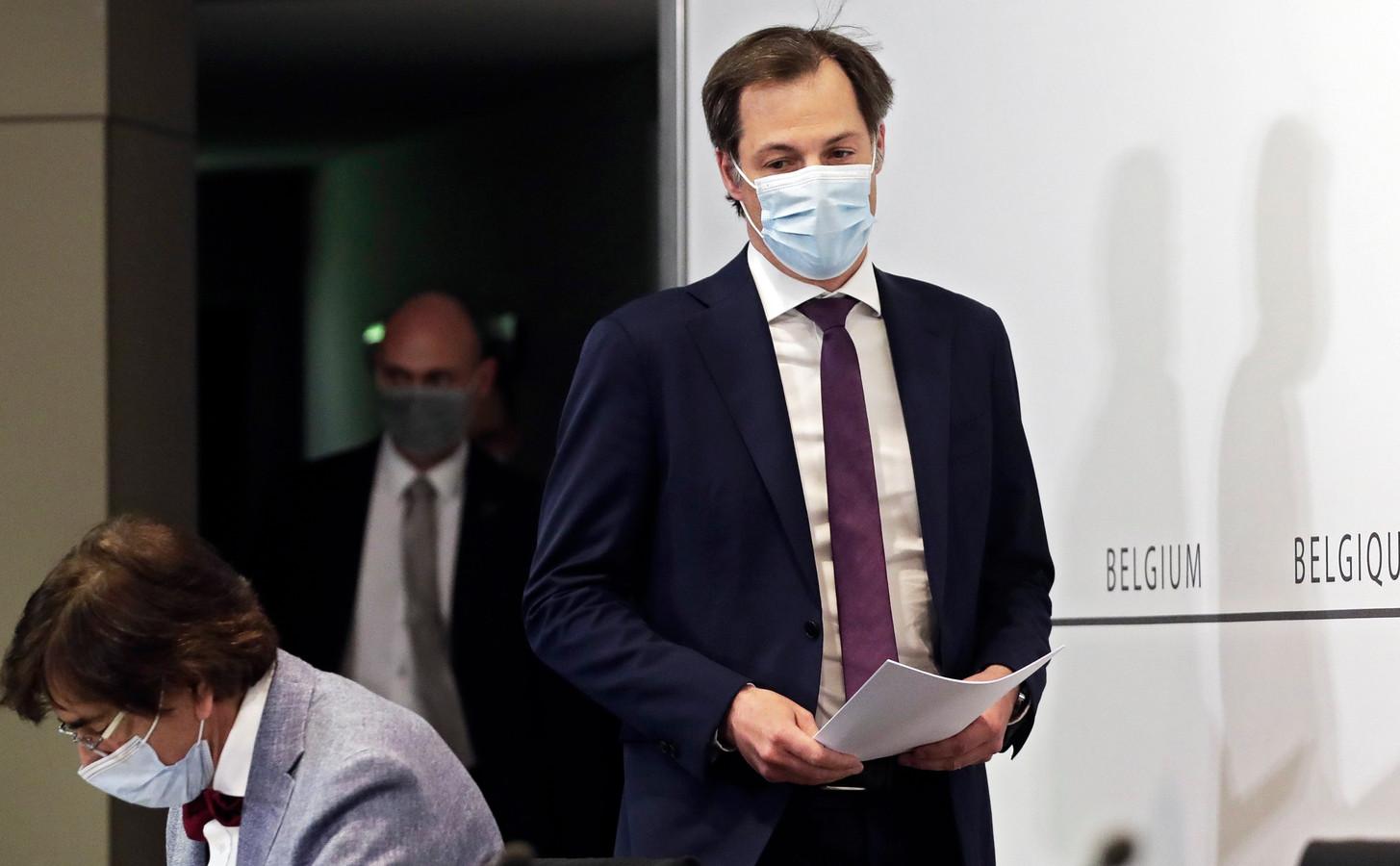 Premier Alexander De Croo bij de start van de persconferentie na het Overlegcomité.