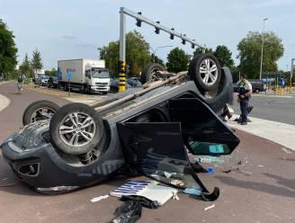 Achtervolging eindigt met crash tegen andere wagen: baby van 15 dagen naar ziekenhuis gebracht