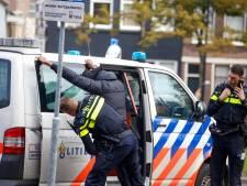Vijf man aangehouden bij grote verkeerscontrole in Dordrecht: 'Ook keukenmes aangetroffen'