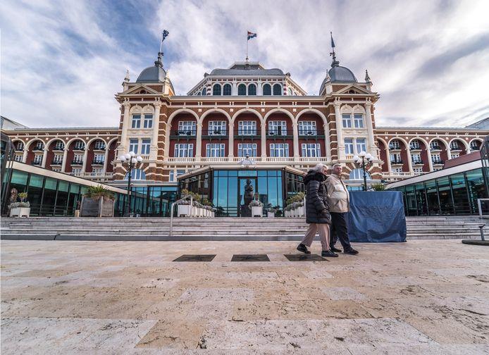 Hotels in Den Haag, zoals het Grand Hotel Amrâth Kurhaus in Scheveningen, zitten leeg. De verliezen zijn enorm en kunnen niet later in het jaar worden 'ingehaald'.