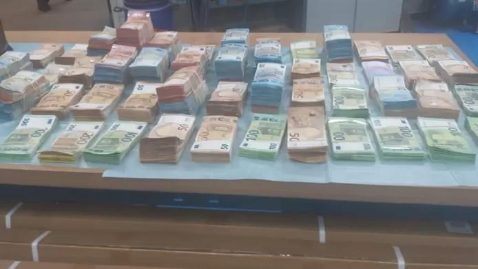Une partie de l'argent retrouvé.