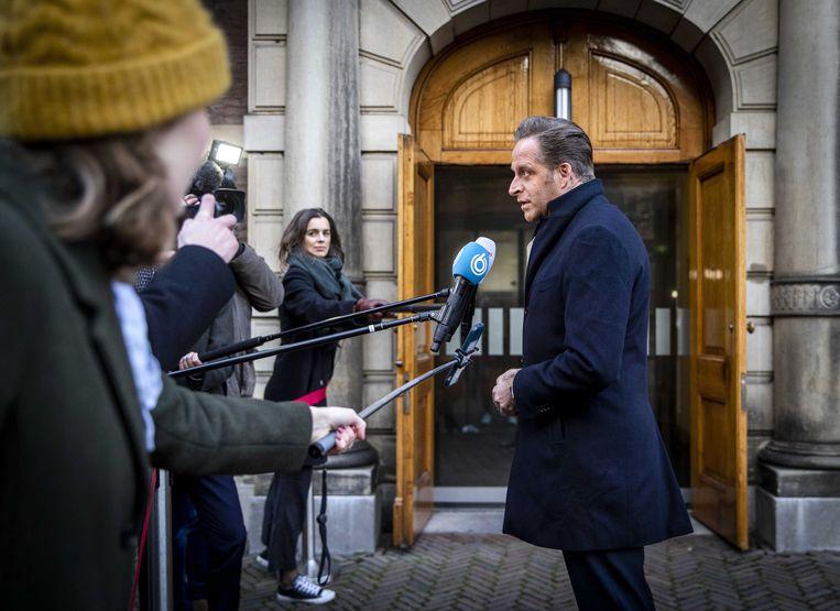 Hugo de Jonge, minister van volksgezondheid, welzijn en sport, komt aan bij het ministerie van algemene zaken. Beeld ANP