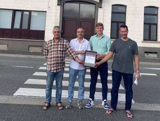 Moskee Aalst schenkt inzameling van Offerfeest aan Rode Kruis