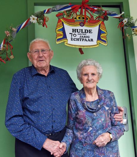 Dubbel feest in Antonius in Kloosterzande: 70 jaar getrouwd én 95 jaar oud