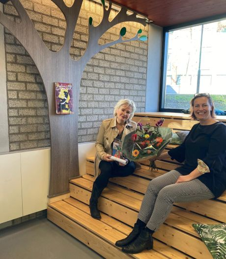 Sofie van den Krommenacker uit Uden wint gedichtenwedstrijd bibliotheek