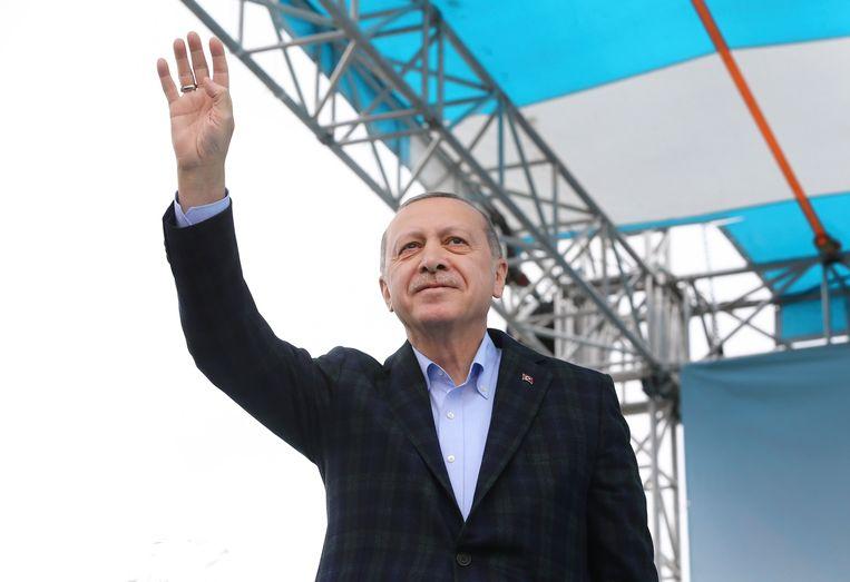 Recep Tayyip Erdogan tijdens een verkiezingsrally. Beeld AP