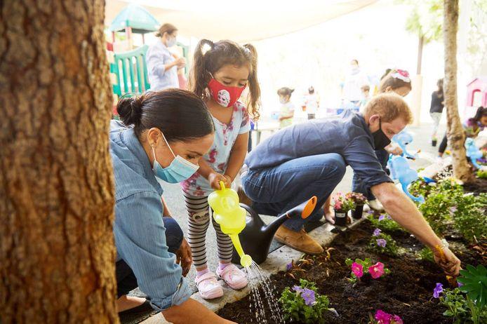 Lundi 31 août, Meghan Markle et le prince Harry ont visité une crèche pour enfants défavorisés à Los Angeles.
