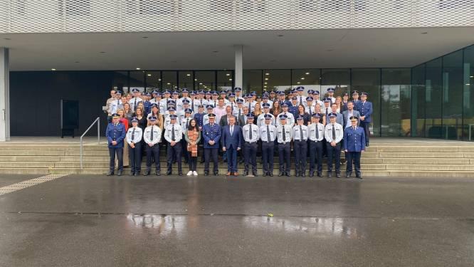 76 politiemensen leggen eed af in Brugge