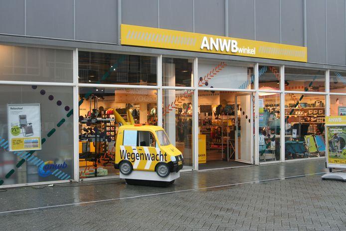 De ANWB-winkel aan de Nieuwstraat.