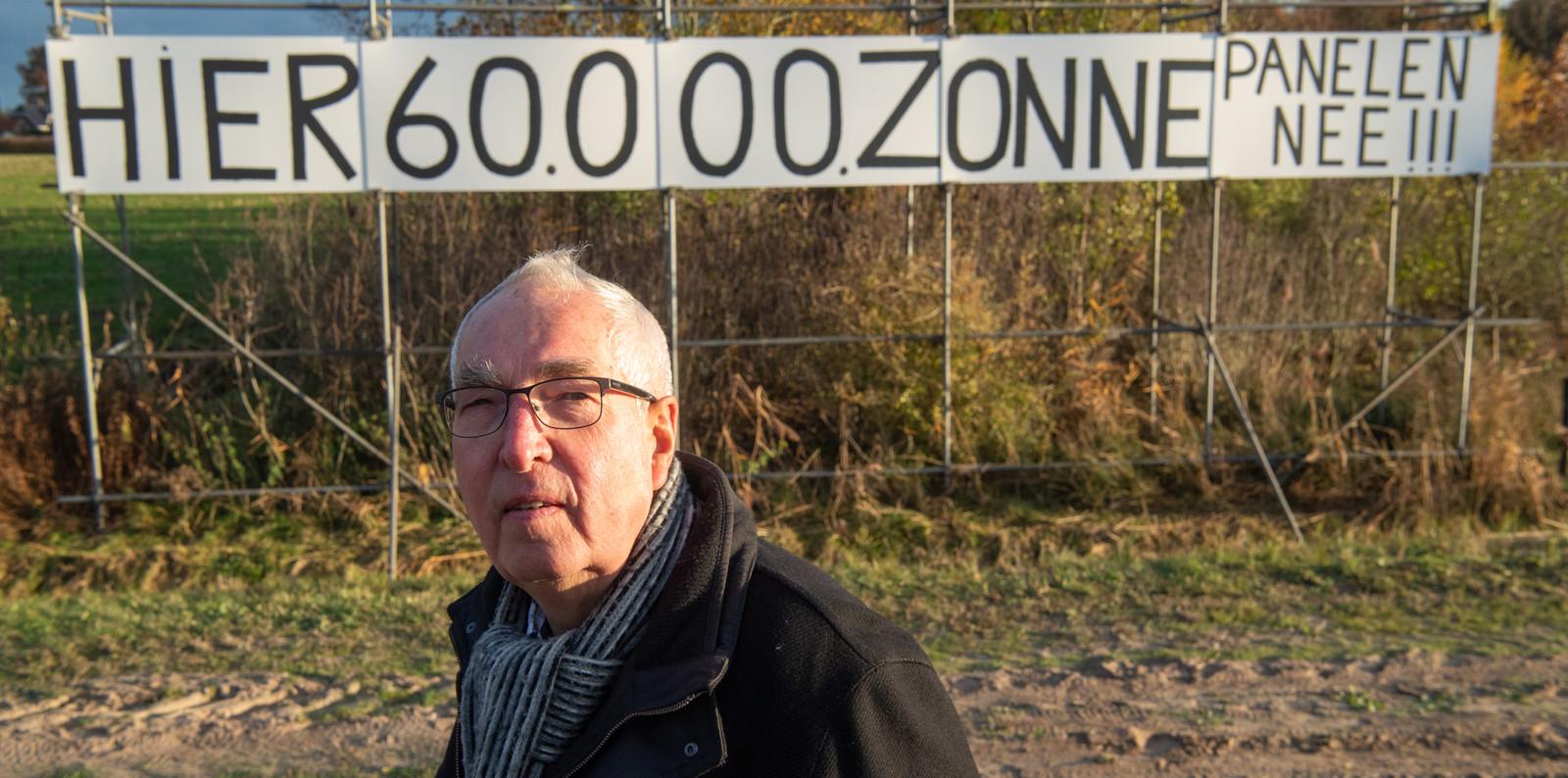 Jan Bruins is een van de bezwaarmakers tegen de aanleg van een 13 hectare groot zonnepark tussen het Baalderveld en de buurtschap Hoogenweg.